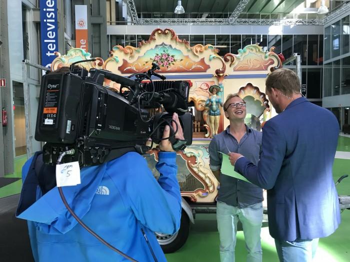 Draaiorgel Pronkjewail bij RTV Noord